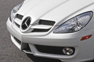 2010-mercedes-benz-slk300-diamond-white-edition-2
