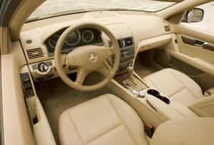 2010-mercedes-benz-c300-luxury-3