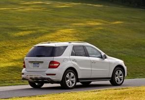 2009-Mercedes-Benz-ML550-43