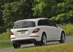 2011-Mercedes-Benz-R350-4MATIC-40