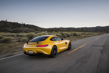 my2016-7-amg-gt-s-21
