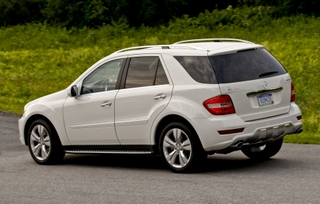 2009-Mercedes-Benz-ML550-40