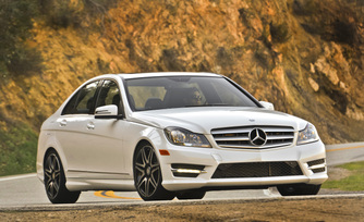 2013-mercedes-benz-c300-4matic-sedan-27