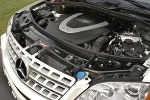 2009-Mercedes-Benz-ML550-53