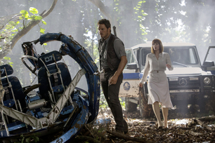 mercedes-benz-launches-campaign-to-support-jurassic-world-11
