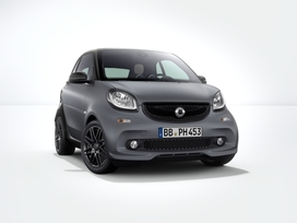 2017-smart-fortwo-now-comes-with-available-brabus-sport-package-european-model-pictured-7