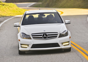 2013-mercedes-benz-c300-4matic-sedan-38