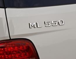 2009-Mercedes-Benz-ML550-54