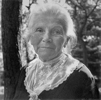 first-female-automotive-pioneer-bertha-benz-inducted-into-hall-of-fame-9