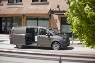 my2016-mercedes-benz-metris-cargo-van-12