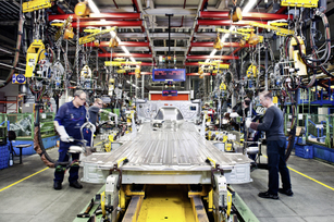 mercedes-benz-sprinter-factory-in-duesseldorf-germany-16