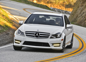 2013-mercedes-benz-c300-4matic-sedan-29