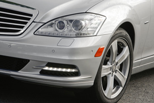 2010-mercedes-benz-s400-hybrid-50