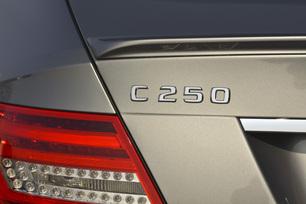 2013-mercedes-benz-c250-coupe-26