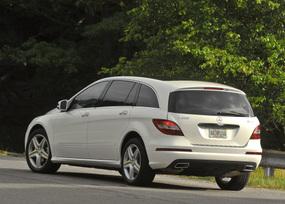 2011-Mercedes-Benz-R350-4MATIC-28