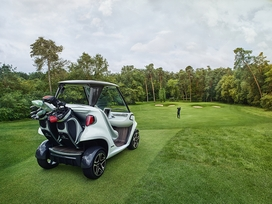 the-mercedes-benz-style-edition-garia-golf-car-12