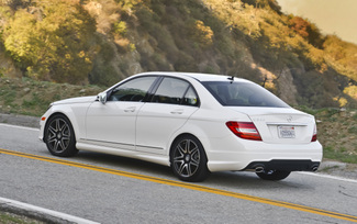 2013-mercedes-benz-c300-4matic-sedan-47