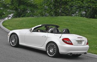 2010-mercedes-benz-slk300-diamond-white-edition-23