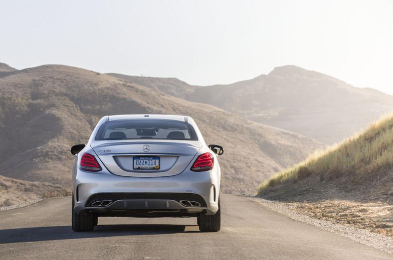 """106a40b08eb4 Mercedes-Benz C-Class Wins 2016 KBB """"Best Buy"""" Award"""