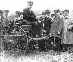 first-female-automotive-pioneer-bertha-benz-inducted-into-hall-of-fame-1
