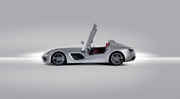 Mercedes-Benz-SLR-Stirling-Moss-13