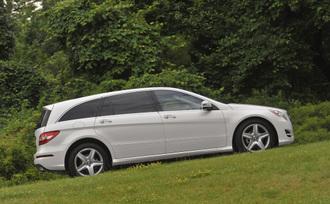 2011-Mercedes-Benz-R350-4MATIC-39