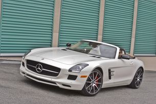 sls-gt-roadster-designo-mystic-white-68