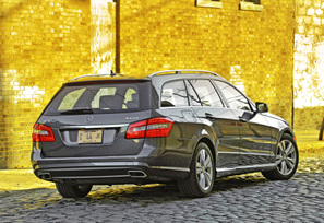 2011-mercedes-benz-e350-4matic-wagon-75