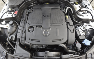 2013-mercedes-benz-c300-4matic-sedan-5