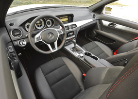 2013-mercedes-benz-c300-4matic-sedan-10