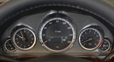 2010-mercedes-benz-e350-sport-sedan-21