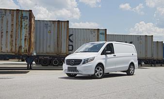 the-metris-worker-cargo-van-58
