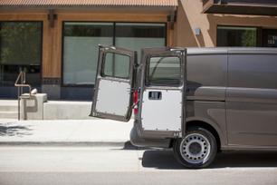 my2016-mercedes-benz-metris-cargo-van-14