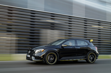 amg-gla45-with-amg-performance-studio-package