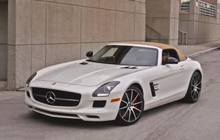sls-gt-roadster-designo-mystic-white-77