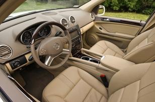 2009-Mercedes-Benz-ML550-48