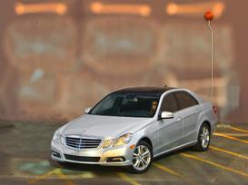 2010-mercedes-benz-e350-luxury-sedan-1