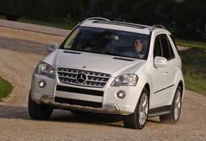2009-Mercedes-Benz-ML550-51