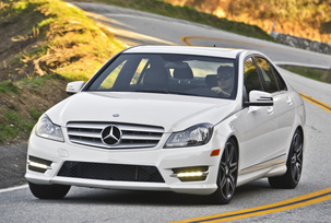 2013-mercedes-benz-c300-4matic-sedan-20