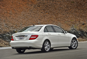 restyled-2012-c300-luxury-sedan-8
