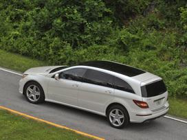 2011-Mercedes-Benz-R350-4MATIC-32