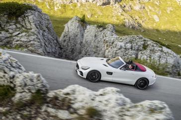 2018-mercedes-amg-gt-roadster