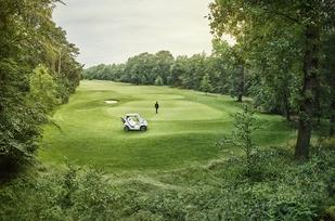 the-mercedes-benz-style-edition-garia-golf-car-18
