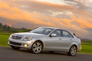 2010-mercedes-benz-c300-luxury