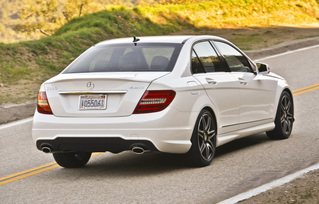2013-mercedes-benz-c300-4matic-sedan-39