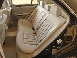 2010-mercedes-benz-e350-luxury-sedan-20