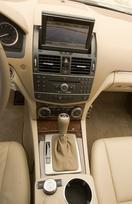 2010-mercedes-benz-c300-luxury-13