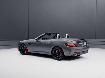 2018-mercedes-amg-slc43-with-performance-studio-redart-package