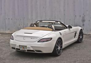 sls-gt-roadster-designo-mystic-white-79