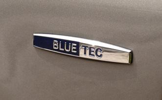 2009-Mercedes-Benz-ML320-BlueTEC-16
